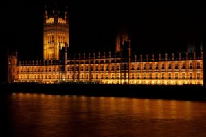 An image of the houses of parliament in Westminster, London.